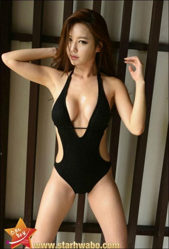 306c33e9ff8 ucf 라운드걸 강예빈 '역대급 노출 수영복 화보' 눈을 어디다 둬야 ...